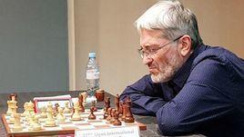 В шахматах – новый туалетный скандал. Гроссмейстера сфотографировали на унитазе с телефоном