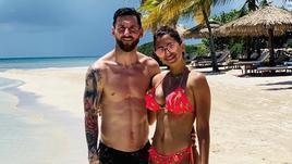 Месси в отпуске: жена, дети и даже пиво
