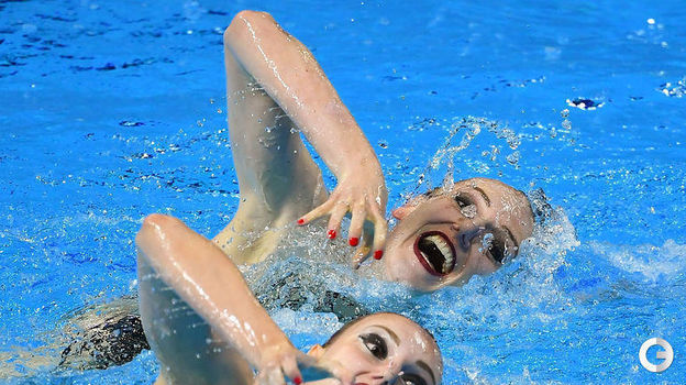 18 июля. Кванджу. Светлана Ромашина и Светлана Колесниченко. Фото AFP
