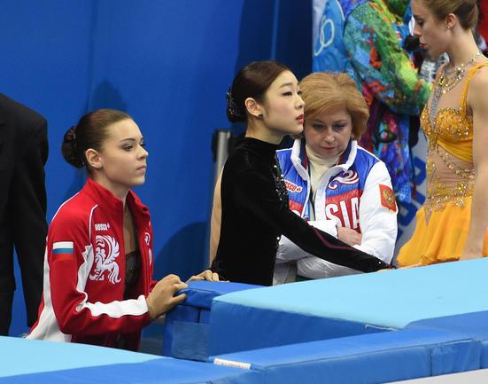 Аделина Сотникова и Юна Ким.