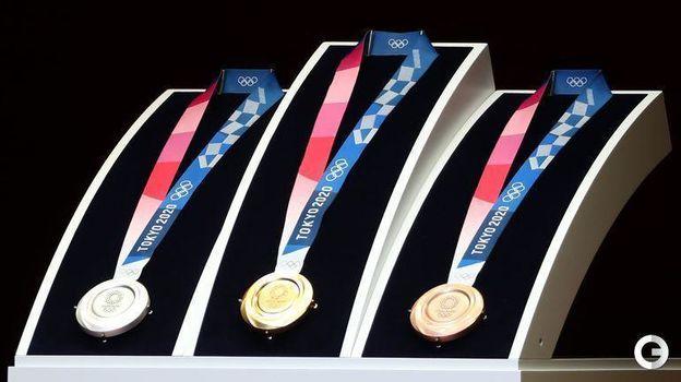 Медали Олимпийских игр-2020 в Токио. Фото AFP