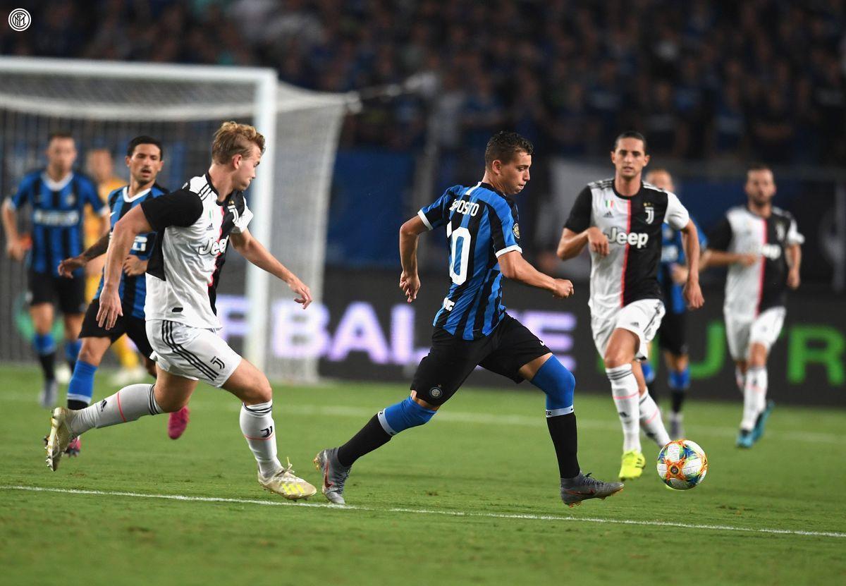 Де Лигт забил в свои ворота, Буффон парировал три пенальти