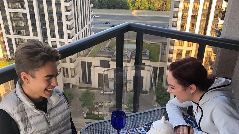Лилиан Бынзарь и Евгения Медведева. Фото https://www.instagram.com/jmedvedevaj/