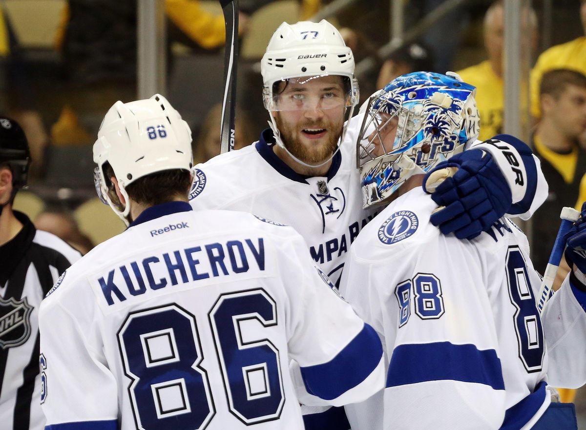 Василевский и Кучеров: выиграют ли лучший вратарь и лучший бомбардир НХЛ Кубок Стэнли?