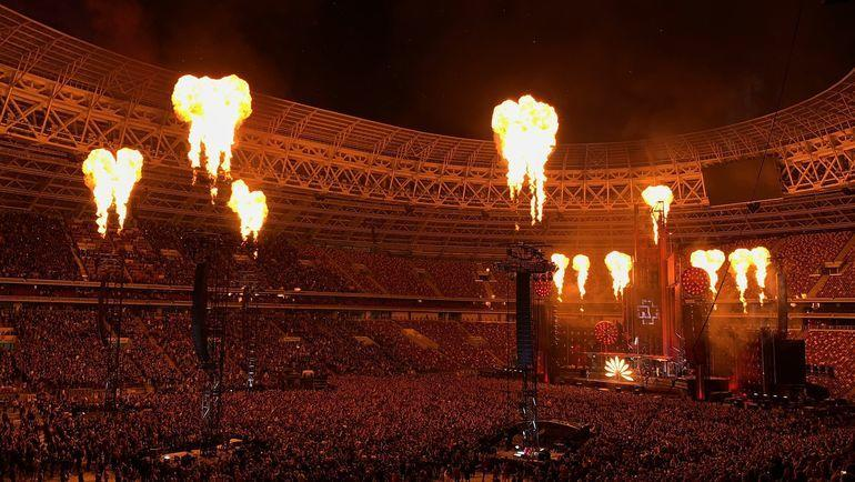 "29 июля. Москва. ""Лужники"". Концерт Rammstein. Фото https://twitter.com/lenakelevra"