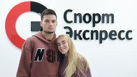 """Артем Макаренко и Кристина Сивкова в редакции """"СЭ""""."""