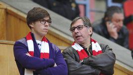 Петр Авен (справа) с сыном.