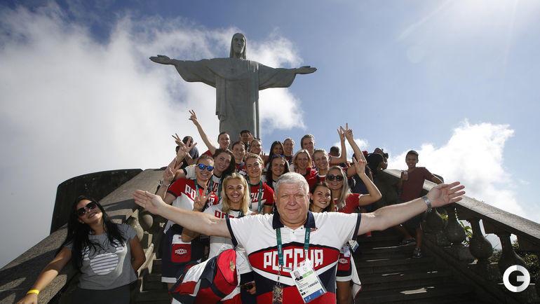 2016 год. Рио-де-Жанейро. Евгений Трефилов с командой после победы на Олимпийских играх.