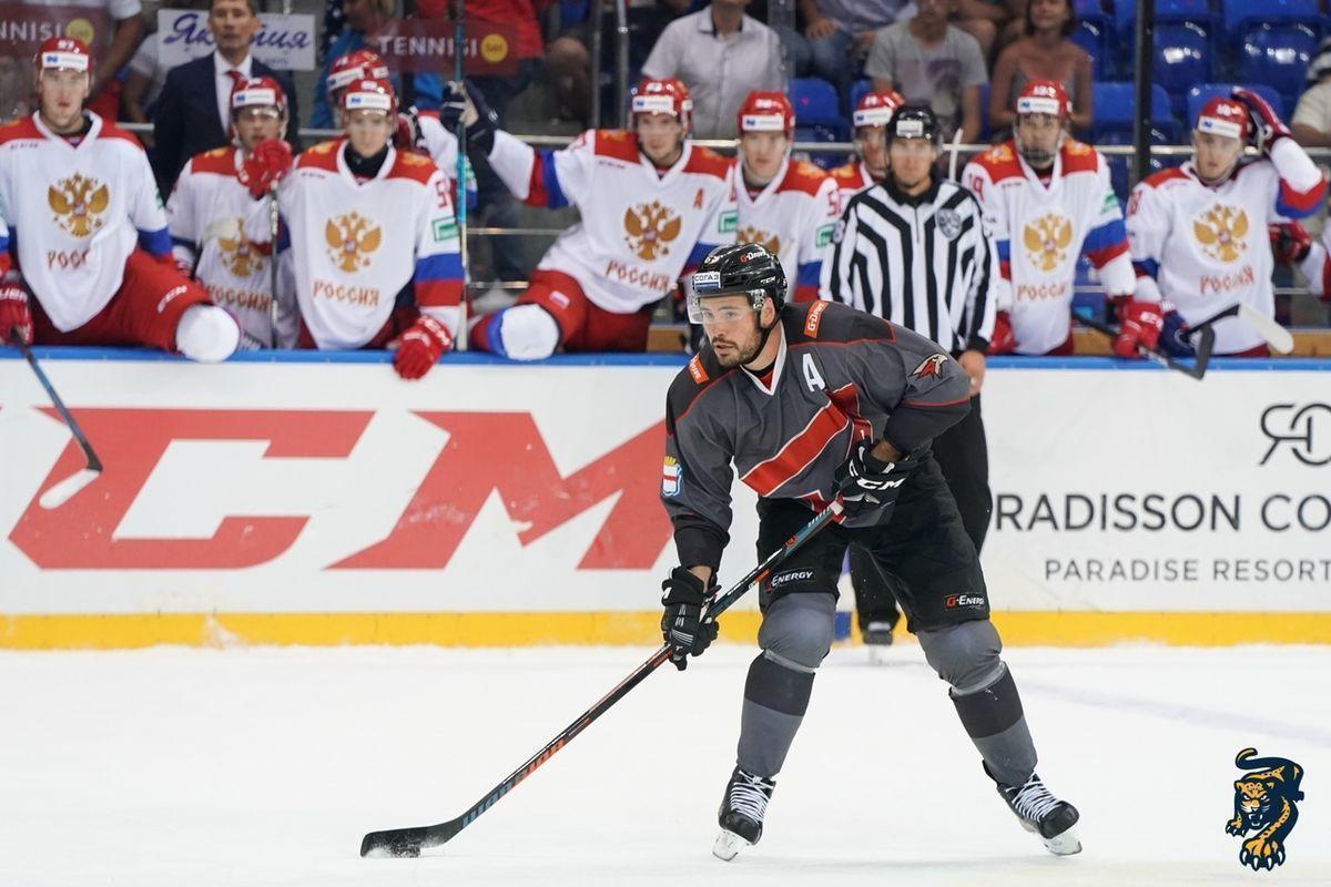 19-летние хоккеисты олимпийской сборной могут играть в КХЛ уже сейчас. Это признал даже Боб Хартли