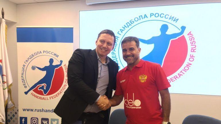 Лев Воронин, гендиректор Федерации гандбола России, и Амброс Мартин, главный тренер женской сборной.