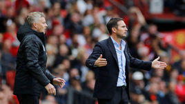 "11 августа. Манчестер. ""Манчестер Юнайтед"" – ""Челси"" – 4:0. Фрэнк Лэмпард (справа) и Уле Гуннар Сульшер."