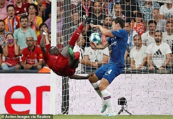 Ливерпуль— Челси— 2:2, пенальти— 5:4. Суперкубок УЕФА, арбитр допустила две серьезные ошибки