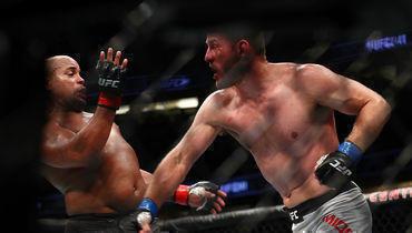 Стипе Миочич побил лучшего бойца UFC ивернул чемпионский пояс