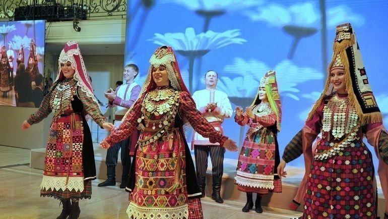 Удмуртский государственный театр фольклорной песни и танца «Айкай». Фото Андрей Поздеев, пресс-служба правительства Удмуртской Республики