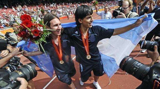 23 августа 2008 года. Пекин. Нигерия - Аргентина - 0:1. Лионель Месси и Серхио Агуэро. Фото AFP
