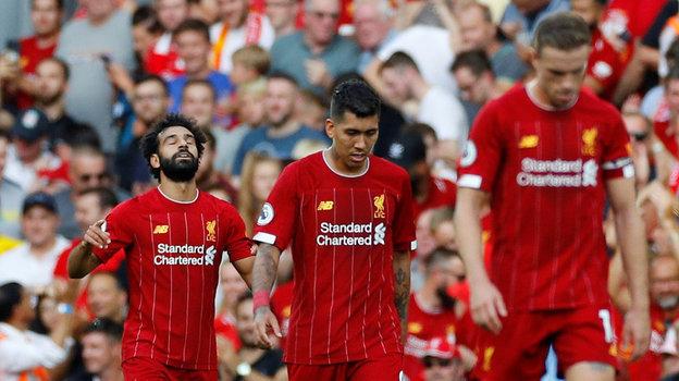 24 августа. Ливерпуль. «Ливерпуль» - «Арсенал» - 3:1. Мохамед Салах (слева) празднует один из своих голов. Фото REUTERS