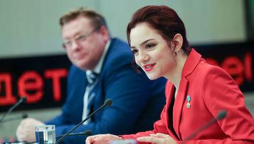 Евгения Медведева на пресс-конференции в Москве.