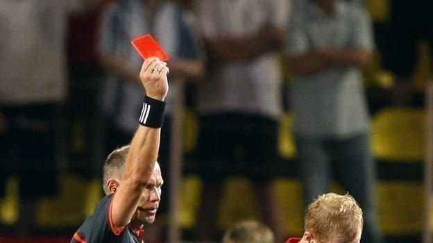 29 августа 2008 года. Монако. «Зенит» - «Манчестер Юнайтед» - 2:1. Удаление Пола Скоулза. Фото AFP