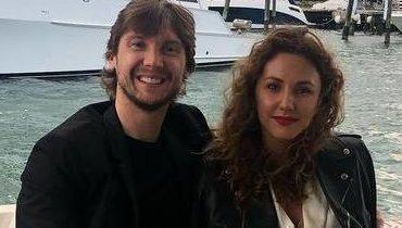 Сергей Бобровский с женой Ольгой.