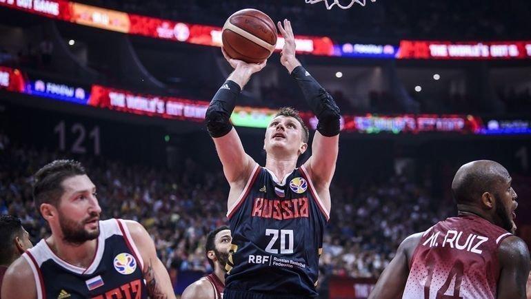 8 сентября. Венесуэла — Россия — 60:69. В атаке - Андрей Воронцевич. Фото FIBA
