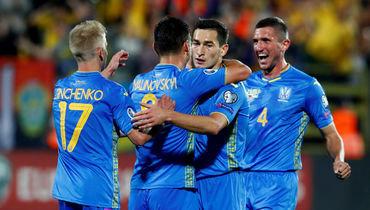 7 сентября. Вильнюс. Литва - Украина - 0:3. Игроки сборной Украины празднуют гол.