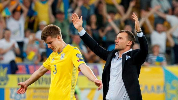 Главный тренер сборной Украины Андрей Шевченко (справа). Фото Reuters