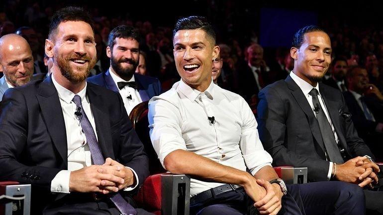 Лионель Месси (слева), Криштиану Роналду иВиргил ван Дейк нацеремонии УЕФА. Фото Reuters