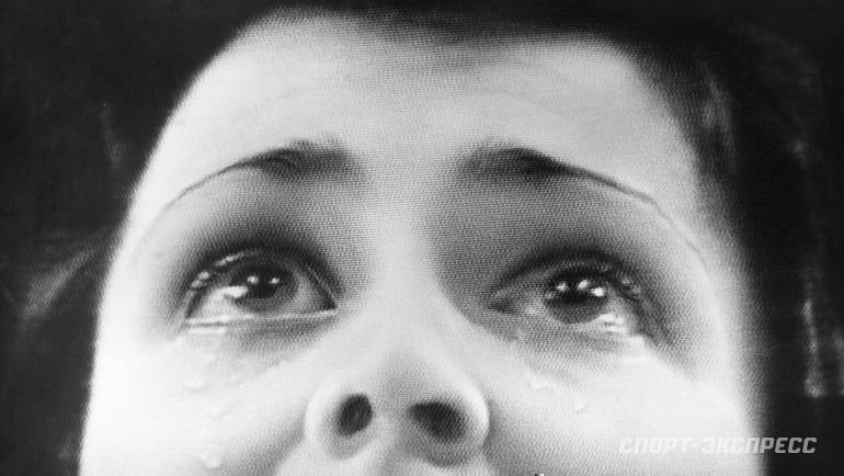 1980 год. Слезы Ирины Родниной наверхней ступеньке пьедестала Олимпиады вЛейк-Плесиде вовремя исполнения гимна Советского Союза никого неоставили равнодушными.