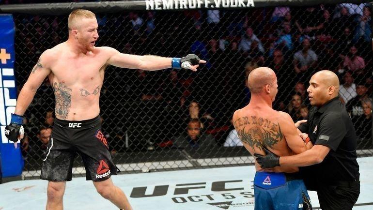 Джастин Гэтжи— Дональд Серроне. Фото MMA Weekly