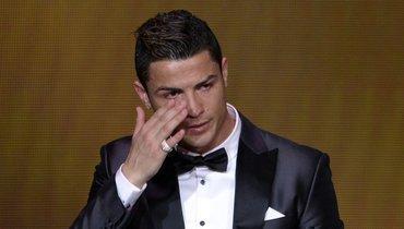 «Онтак инеувидел моих успехов». Роналду расплакался после видео сего отцом