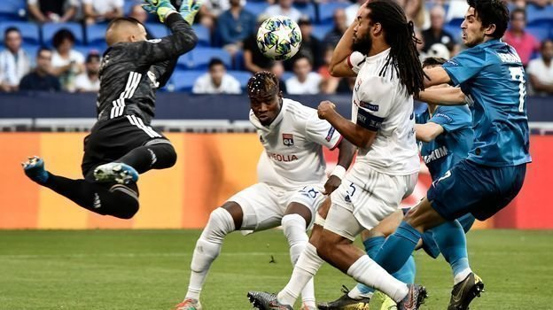 17сентября. Лион. «Лион»— «Зенит»— 1:1. Сердар Азмун атакует ворота хозяев поля.