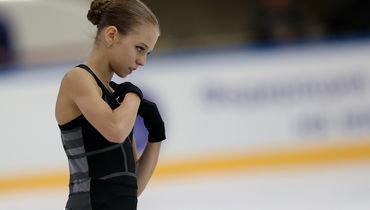 Александра Трусова открыла взрослую международную карьеру илидирует после короткой программы натурнире вБратиславе.