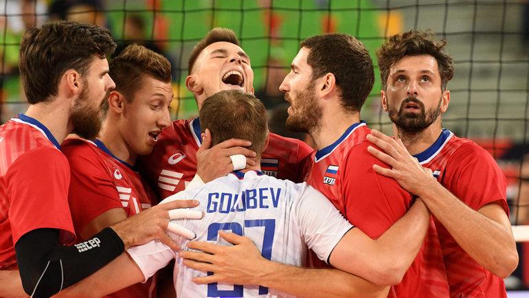 Волейболисты сборной России празднуют победу над Грецией. Фото cev.lu