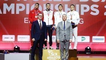 Андрей Замковой (второй слева) выиграл чемпионат мира ввесовой категории 63-69кг.