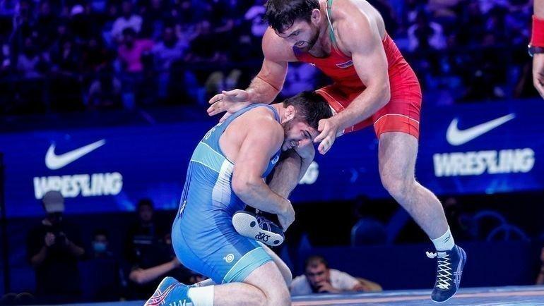 22сентября. Нур-Султан. Абдулрашид Садулаев (слева) выполняет прием против Шарифа Шарифова Габор Мартин UWW.