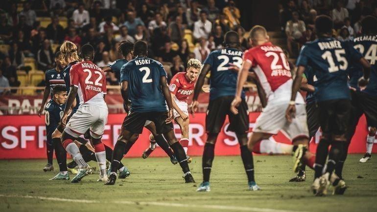 24сентября. Монако. «Монако»— «Ницца»— 3:1. Александр Головин (вцентре) открыл счет эффектным ударом слевой ноги. Фото Twitter.com/AS_Monaco/
