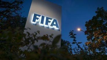 ФИФА хочет ограничить выплаты агентам иаренды игроков.