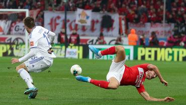 «Спартак» уступил дома «Оренбургу». Команда Кононова забила один гол, осталась вбольшинстве, новсе равно проиграла