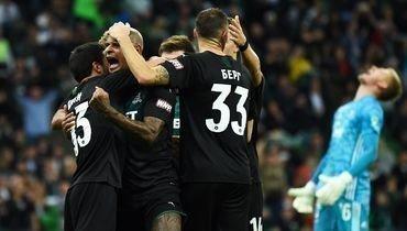 29сентября. Краснодар. «Краснодар»— «Арсенал»— 2:0. «Быки» празднуют победу после трех поражений вЛиге Европы, РПЛ иКубке.