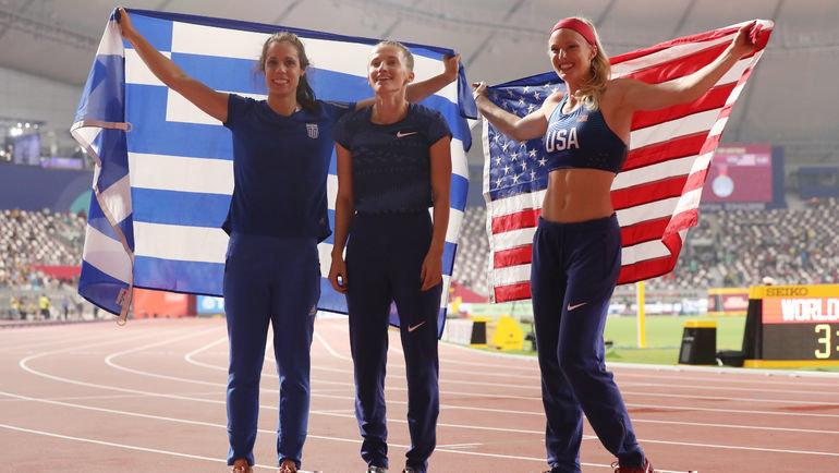 29сентября. Доха. Анжелика Сидорова (вцентре) сСэнди Моррис (справа) иКатериной Стефаниди. Фото Reuters