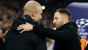 Доменико Тедеско (справа) иглавный тренер «Манчестер Сити» Пеп Гвардьола.