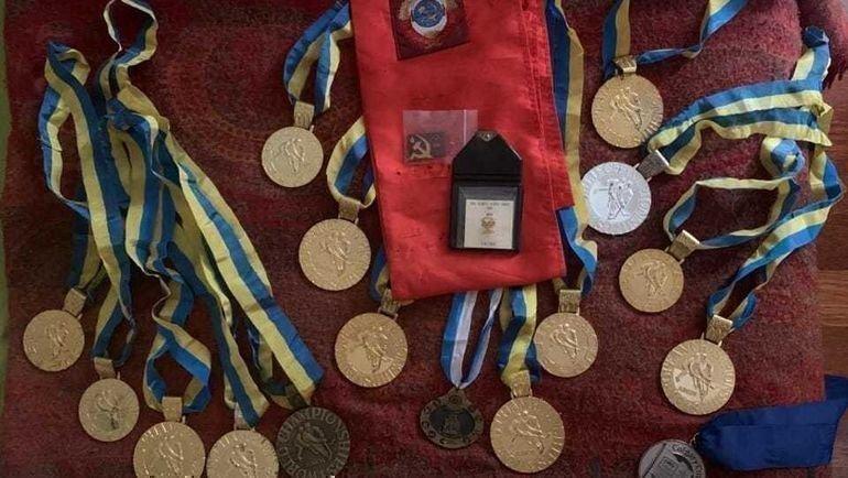Утерянные медали вернулись всемью.