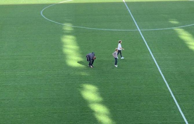 Клаудио Маркизио оторвал кусок газона стадиона «Ювентуса».