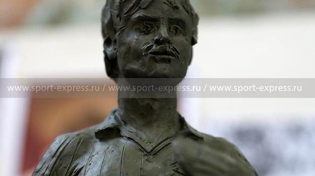 Фигура Федора Черенкова изглины— проект памятника.