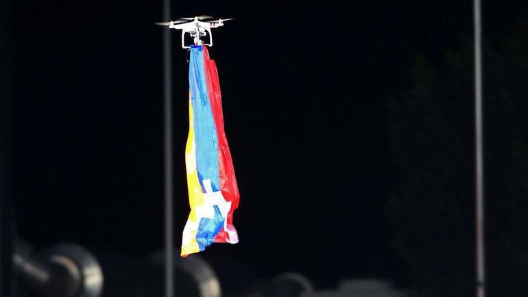 Дрон сфлагом Нагорного Карабаха наматче между люксембургским «Дюделанжем» иазербайджанским «Карабахом». Фото Reuters