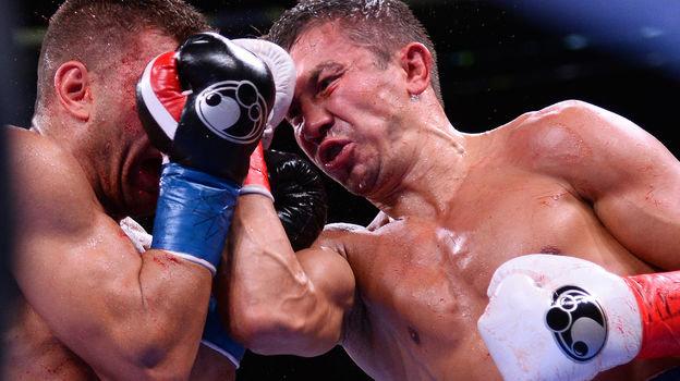 5октября. Нью-Йорк. Геннадий Головкин (справа) против Сергея Деревянченко. Фото AFP