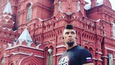 Самый яркий нокаутер UFC решил готовиться кбою вРоссии