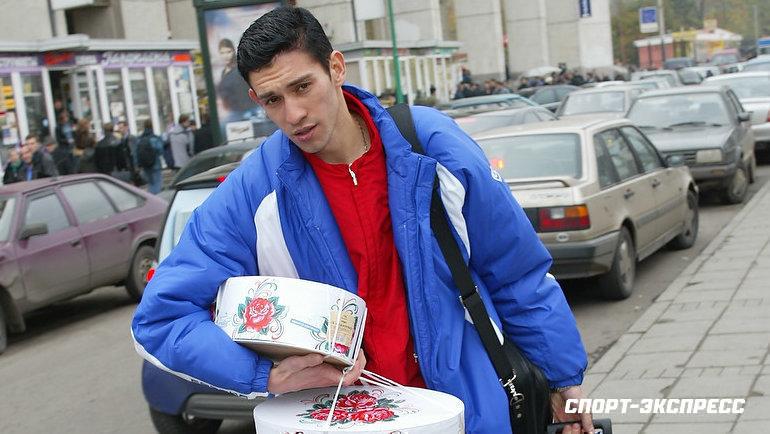 7октября 2002 года Руслан Нигматуллин насвой день рождения приехал насбор национальной команды стортами для партнеров.