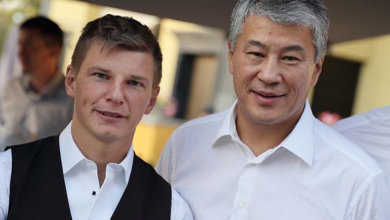 Кайрат Боранбаев (справа) сАндреем Аршавиным. Фото ФК «Кайрат»