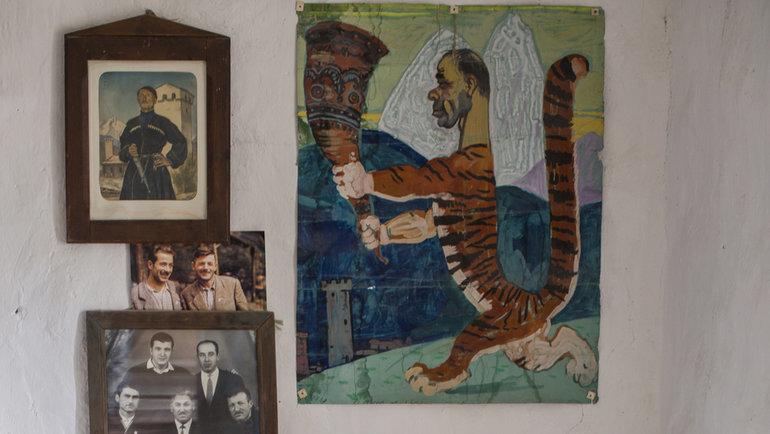 """Комната Михаила Хергиани вгороде Местия. Фото Юрий Голышак, """"СЭ"""""""